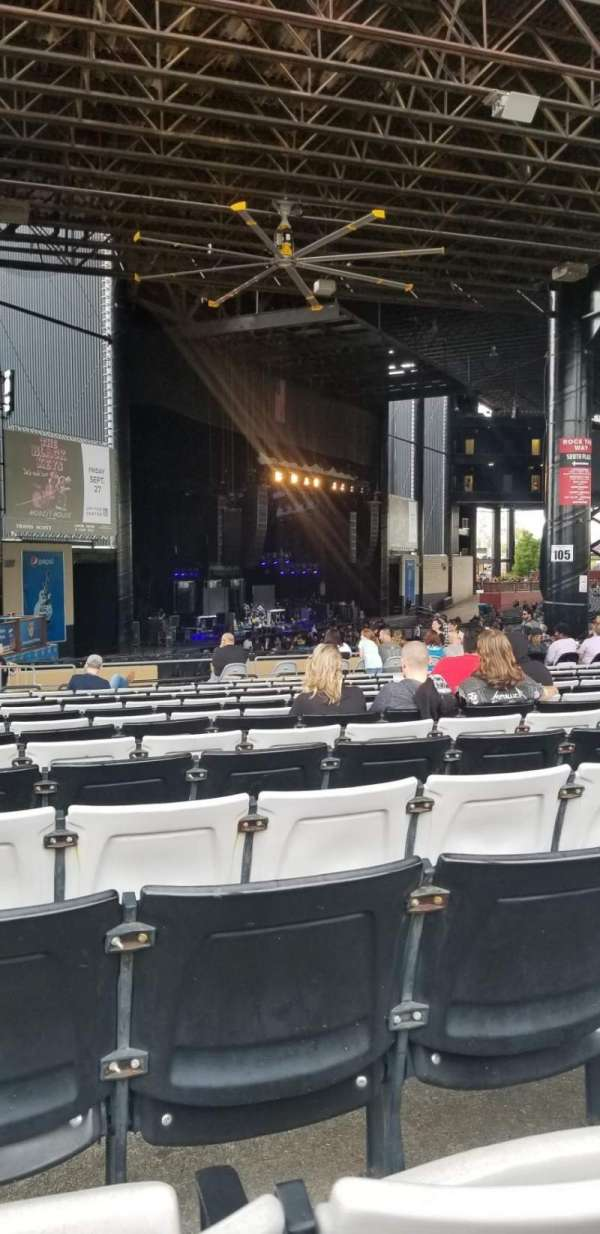 Hollywood Casino Amphitheatre (Tinley Park), section: 207, row: CCC , seat: 29