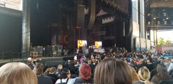 Hollywood Casino Amphitheatre (Tinley Park), section: 105, row: R, seat: 11