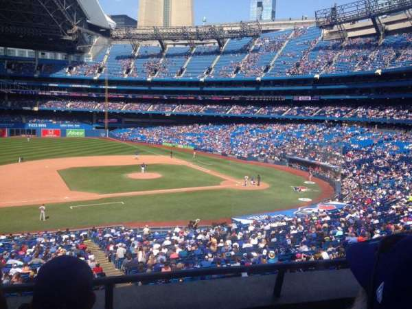 Rogers Centre, section: 231R, row: 3, seat: 10