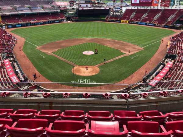 Great American Ball Park, section: 424, row: D, seat: 12