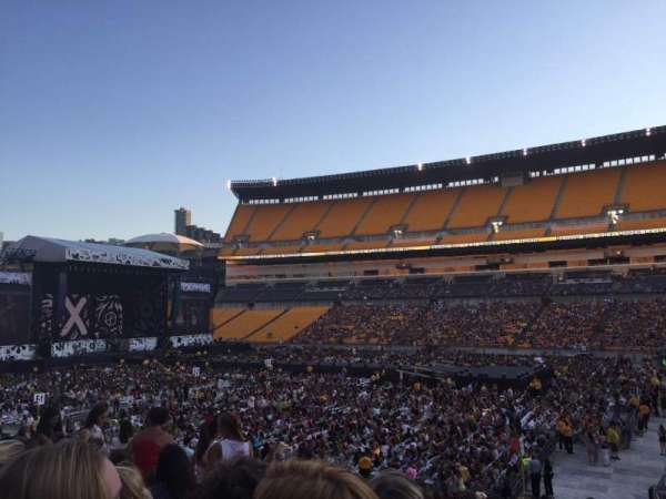 Heinz Field, section: 113, row: u, seat: 4