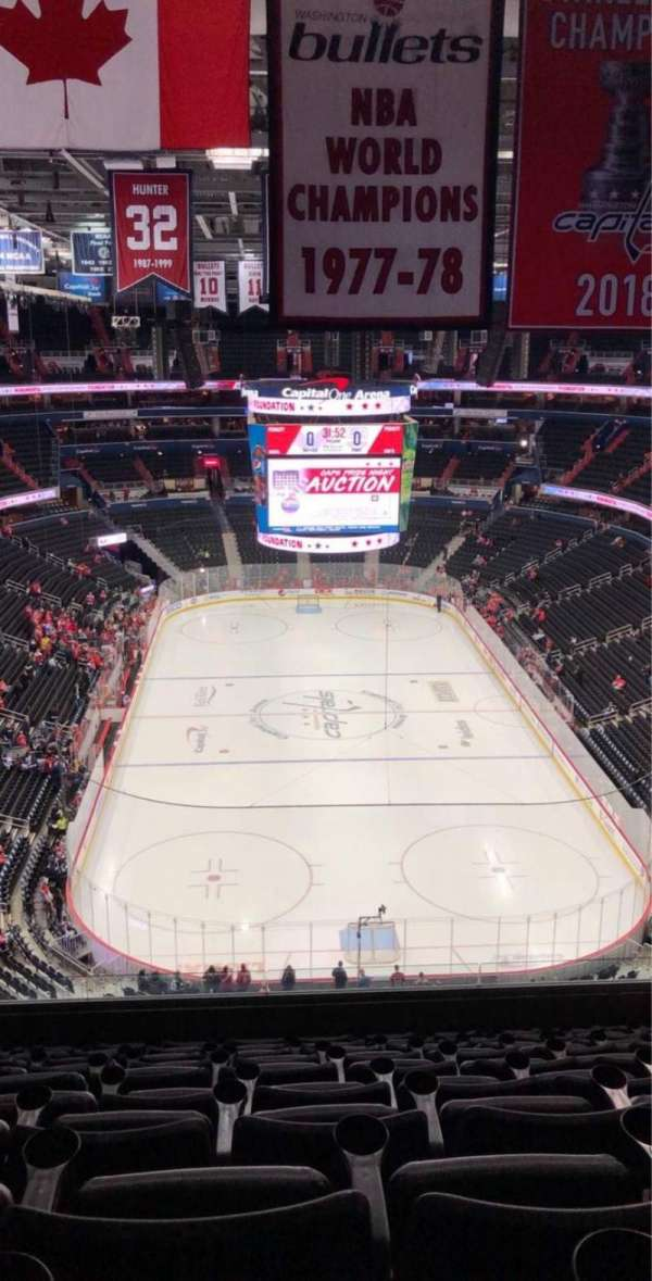 Capital One Arena, section: 408, row: K, seat: 14