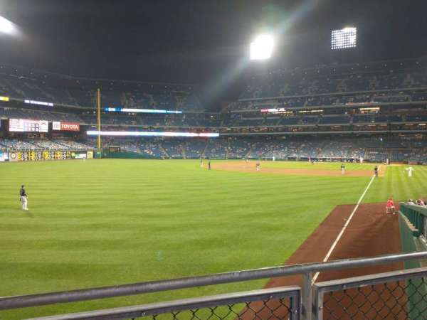 Citizens Bank Park, section: 140, row: 8, seat: 5