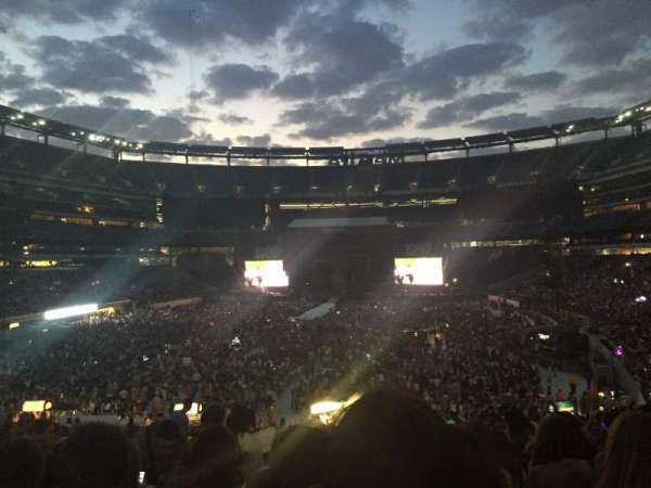 MetLife Stadium, section: 124, row: 36, seat: 12