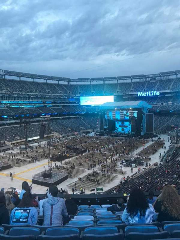 MetLife Stadium, section: 221A, row: 12, seat: 9