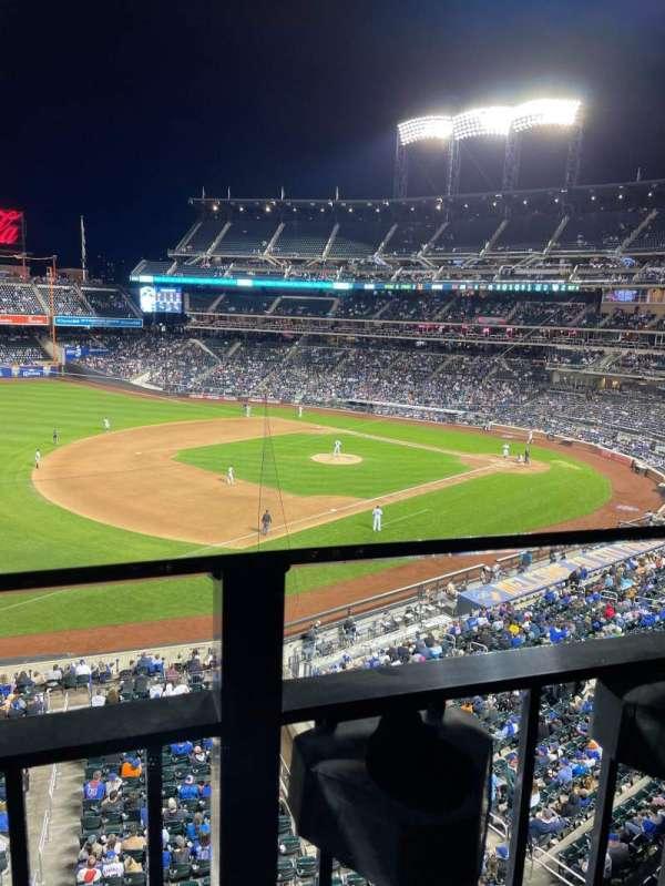 Citi Field, section: 330, row: 1, seat: 14