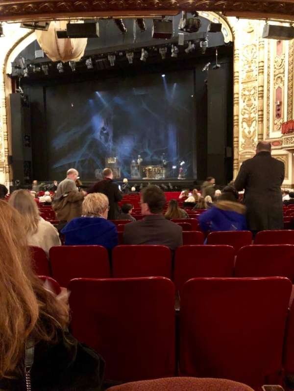 Cadillac Palace Theater, section: Orchestra R, row: U, seat: 14