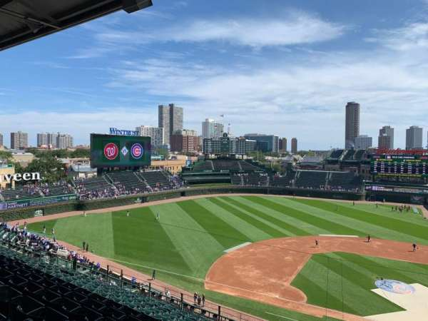 Wrigley Field, section: 409L, row: 4, seat: 16