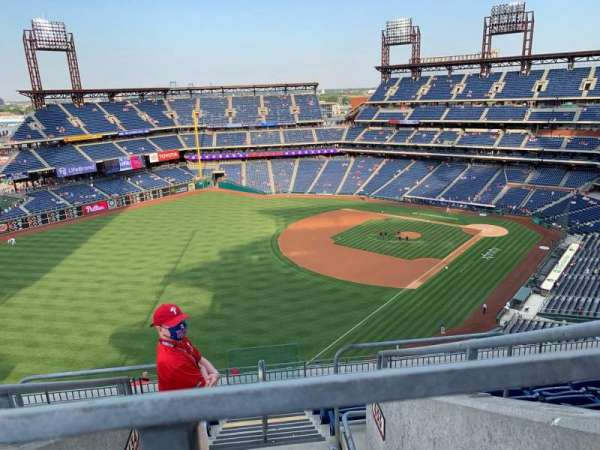Citizens Bank Park, section: 434, row: 9