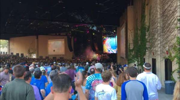 Cellairis Amphitheatre at Lakewood, section: 201, row: VV, seat: 9