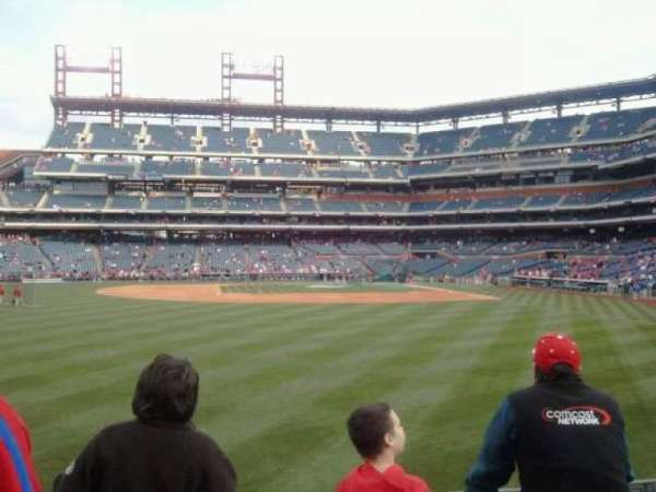 Citizens Bank Park, section: 143, row: 4, seat: 18