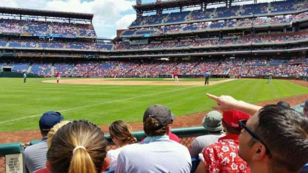 Citizens Bank Park, section: 137, row: 4, seat: 9