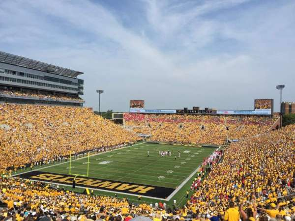 Kinnick Stadium, section: 213, row: 27, seat: 4