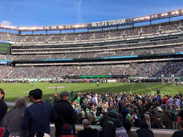 MetLife Stadium, section: 135, row: 6, seat: 27