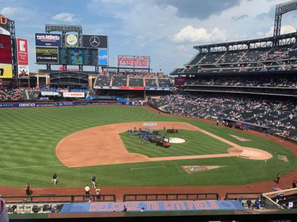 Citi Field, section: 327, row: 1, seat: 18