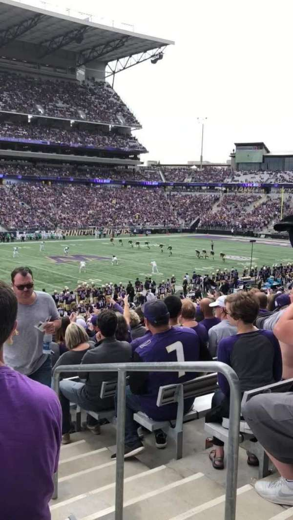 Husky Stadium, section: 132, row: 32, seat: 1