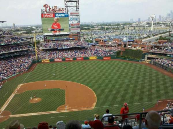 Citizens Bank Park, section: 415, row: 14, seat: 3