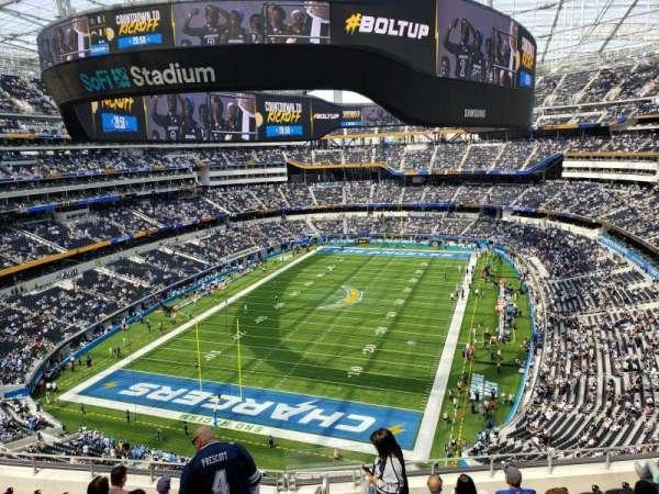 SoFi Stadium, section: 339, row: 9, seat: 17