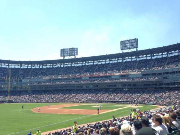 Guaranteed Rate Field, section: 150, row: 26, seat: 4