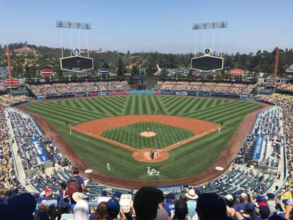 Dodger Stadium, section: 1RS, row: L, seat: 17