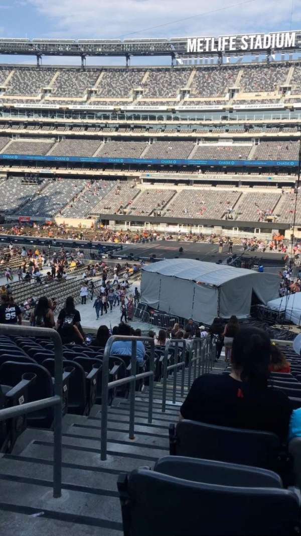 MetLife Stadium, section: 137, row: 28, seat: 31