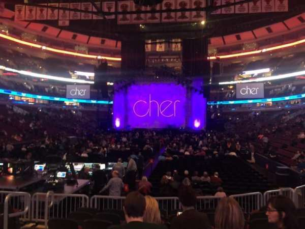 United Center, section: 105, row: 8, seat: 9