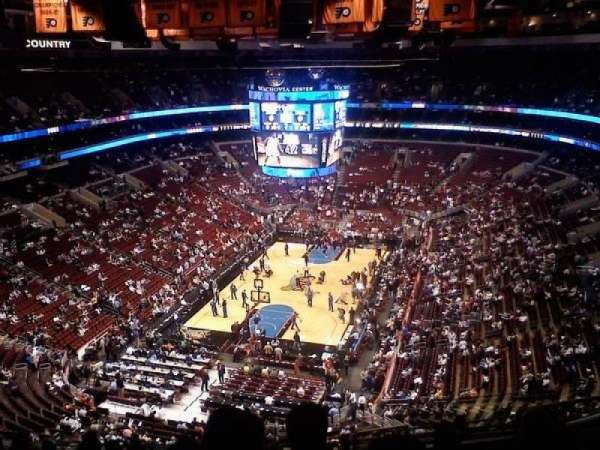 Wells Fargo Center, section: 220