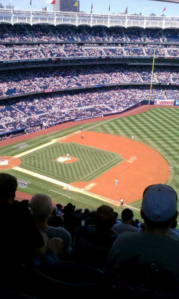 Yankee Stadium, section: 413, row: 14, seat: 9