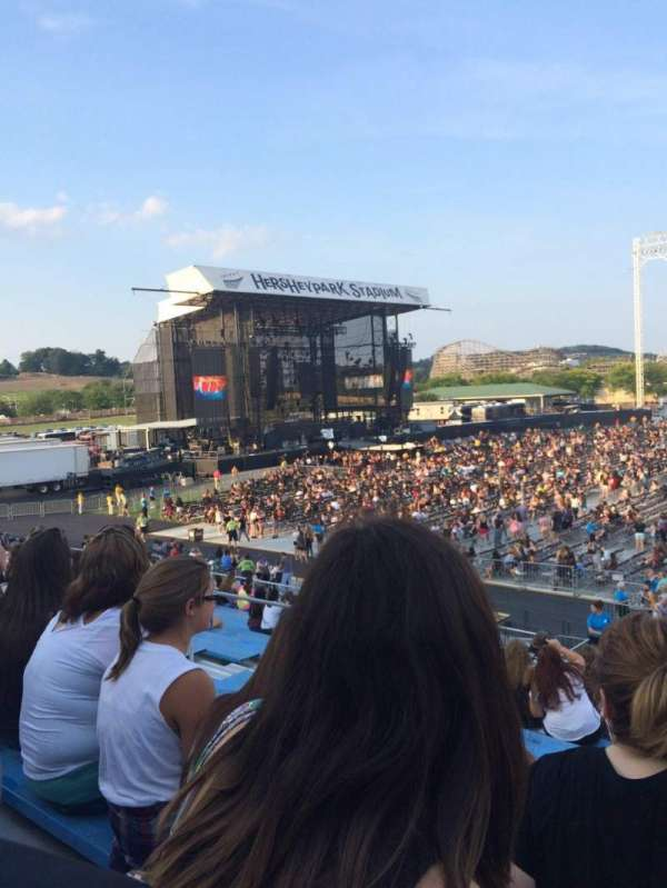 Hershey Park Stadium, section: 6, row: N, seat: 21