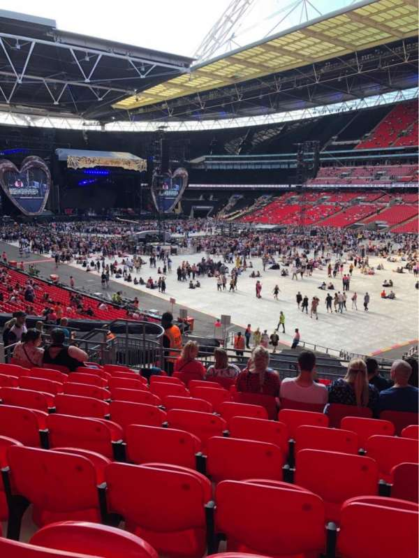 Wembley Stadium, section: 116, row: 40, seat: 145