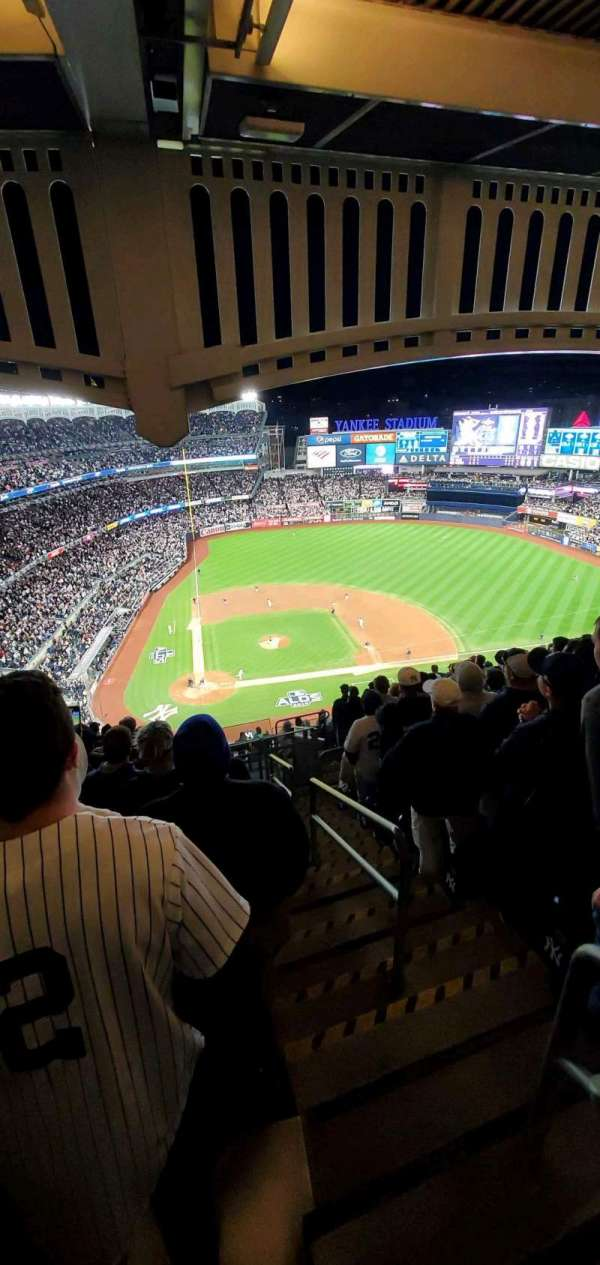 Yankee Stadium, section: 418, row: 13, seat: 1
