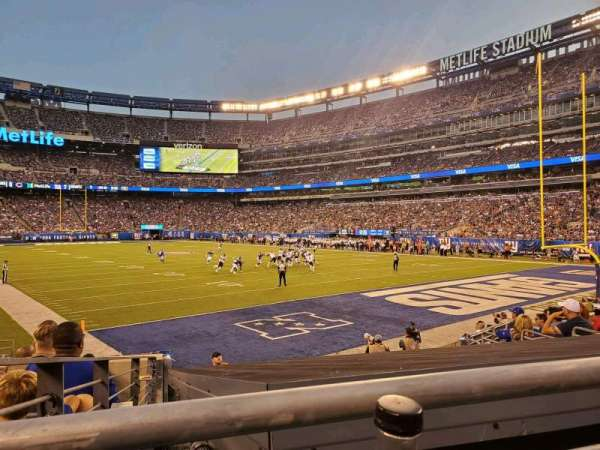 MetLife Stadium, section: 104, row: 10, seat: 20