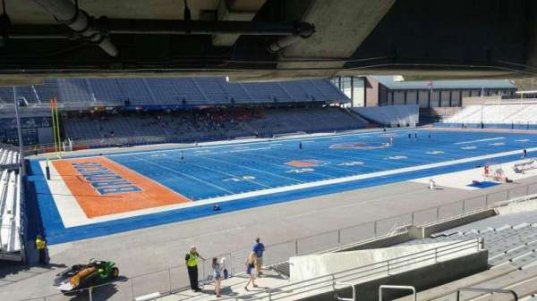 Albertsons Stadium, section: 27, row: T, seat: 6