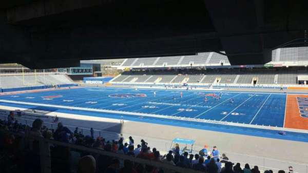 Albertsons Stadium, section: 6, row: W, seat: 5