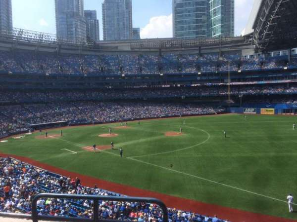 Rogers Centre, section: 213R, row: 3, seat: 1
