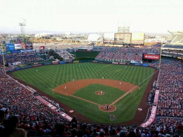 Angel Stadium, section: 519, row: H, seat: 10