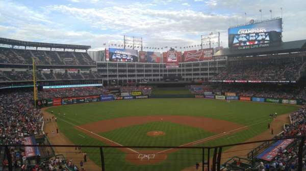 Globe Life Park in Arlington, section: 227, row: 3, seat: 6