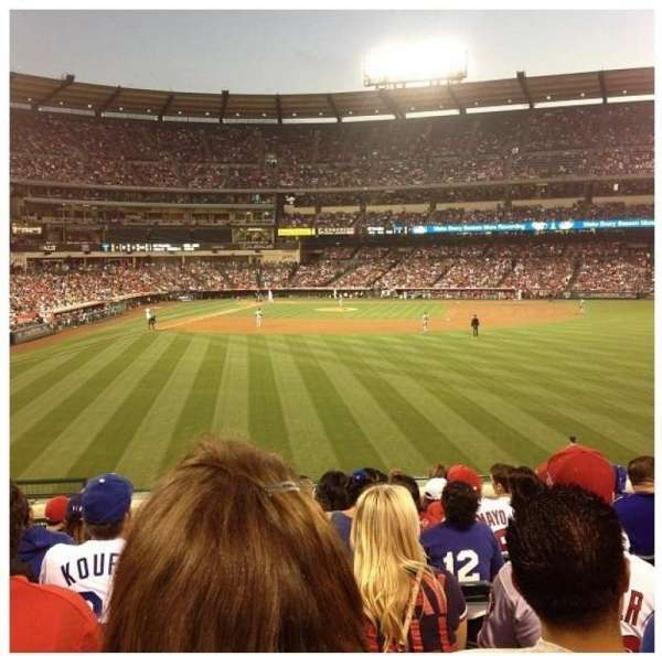 Angel Stadium, section: 237, row: L, seat: 4