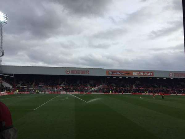 Griffin Park, section: N506, row: J, seat: 171
