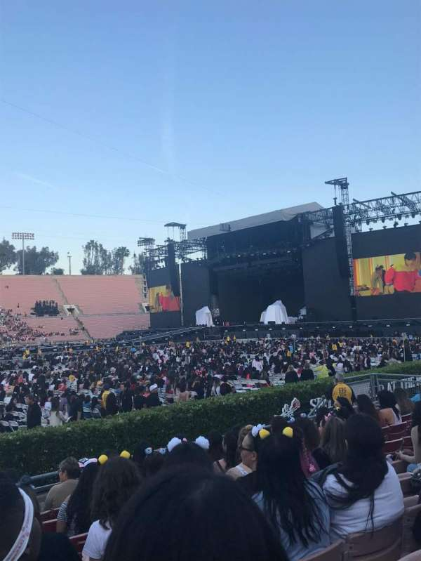 Rose Bowl, section: 17-H, row: 6, seat: 111