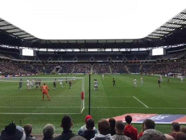 Stadium:mk, section: 32, row: H, seat: 904