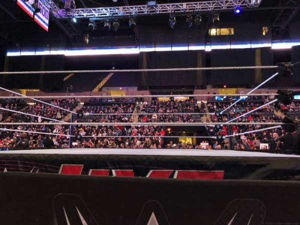 Nassau Veterans Memorial Coliseum, section: E, row: 1, seat: 14