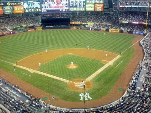 Yankee Stadium, section: 420C, row: 1, seat: 6