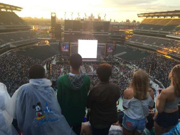 Lincoln Financial Field, section: 210, row: 16, seat: 3,4