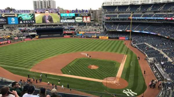 Yankee Stadium, section: 322, row: 6, seat: 4
