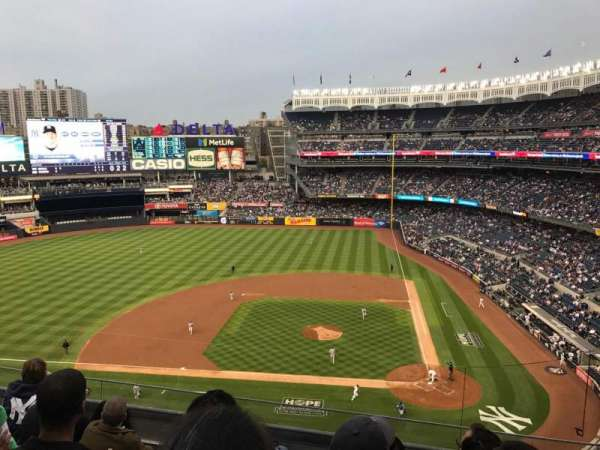 Yankee Stadium, section: 323, row: 5, seat: 8