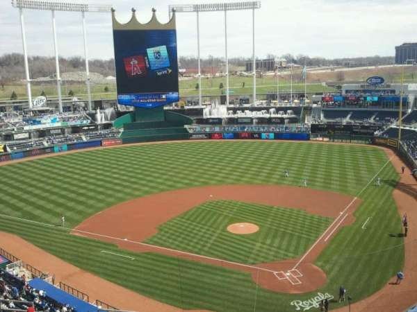 Kauffman Stadium, section: 417, row: P, seat: 10