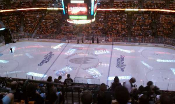 Honda Center, section: 410, row: R, seat: 14