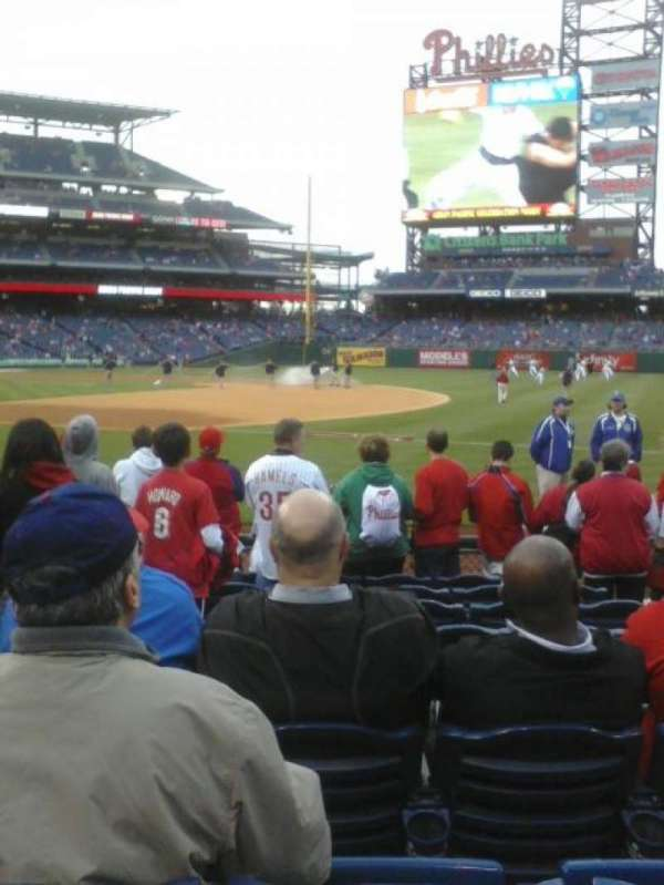 Citizens Bank Park, section: 113, row: 9, seat: 4