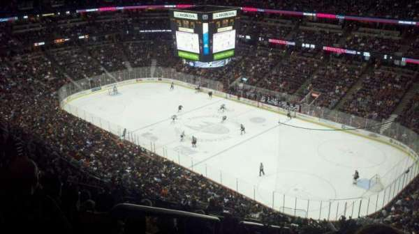 Honda Center, section: 428, row: T, seat: 10